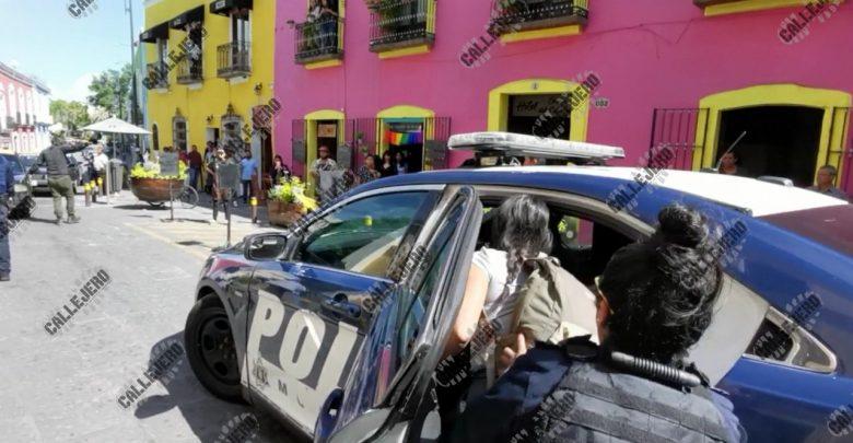 Con Lujo De Violencia Detienen Artesanos En El Centro De Puebla